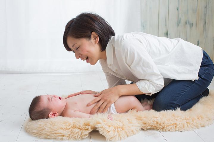 赤ちゃんが便秘のイメージ