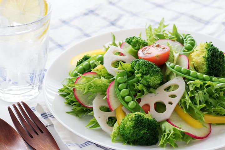 低脂質でヘルシーな食べ物のイメージ