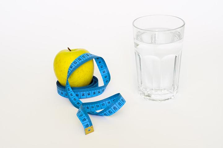 水とダイエットのイメージ